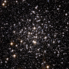 M71 - Hubble Space Telescope image.