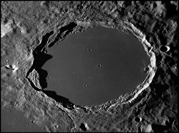 Crater Plato - Credit: Damian Peach